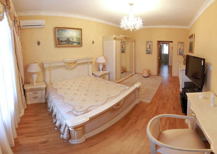 New Luxury apartment in the center of Nikolaev!