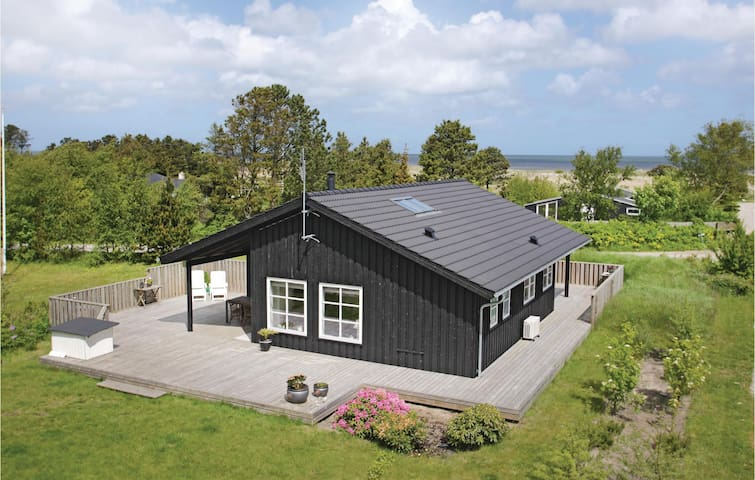 Holiday cottage with 3 bedrooms on 95m² in Frederikshavn