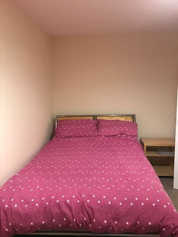 Large double room in lovely flat!