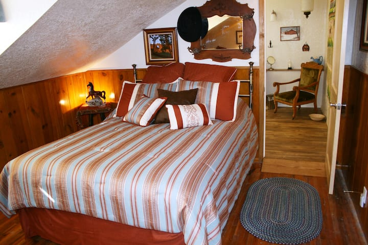 Old West Room in Red Horse Vineyard B&B