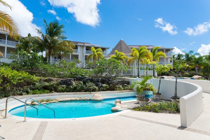 Stunning 2bed Apt With Pool,Gym & Tennis Court