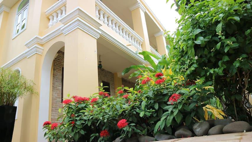 La Villa Boutique Hotel, Battambang
