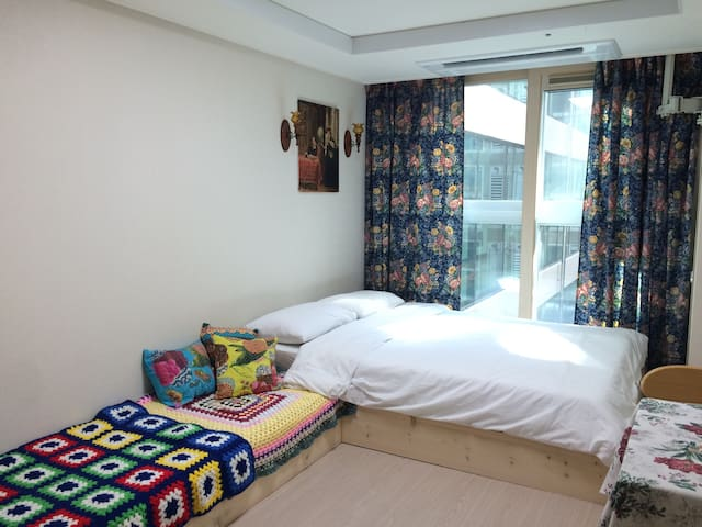 OPEN EVENT, SAVE MONEY! PERFECT DOWN TOWN HOTEL! - Taepyeong-ro, Seogwipo