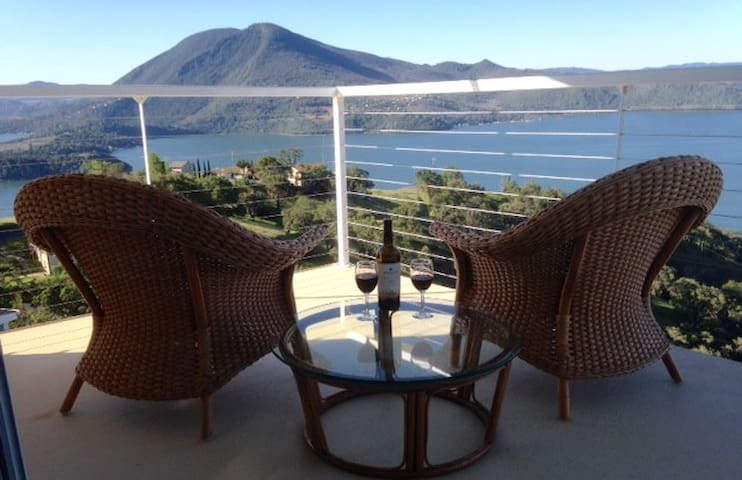 Eagle's Roost-BEST LAKE VIEWS-WOW! - Glenhaven - Hus