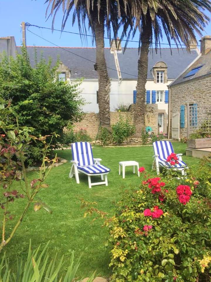 House with 2 bedrooms in Saint-Pierre-Quiberon, with enclosed garden and WiFi - 150 m from the beach