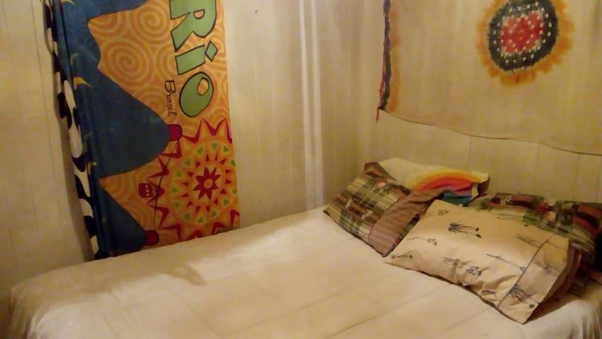 Habitación Matrimonial en CASA COMPARTIDA