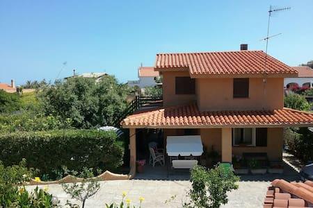Villetta nord Sardegna (primo piano - Sorso - บ้าน