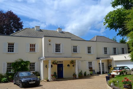 Lovely, Comfortable Room In Luxurious Family Home - Wargrave - Bed & Breakfast
