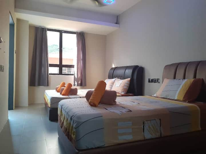 SH215 (Family Room) - 4 persons