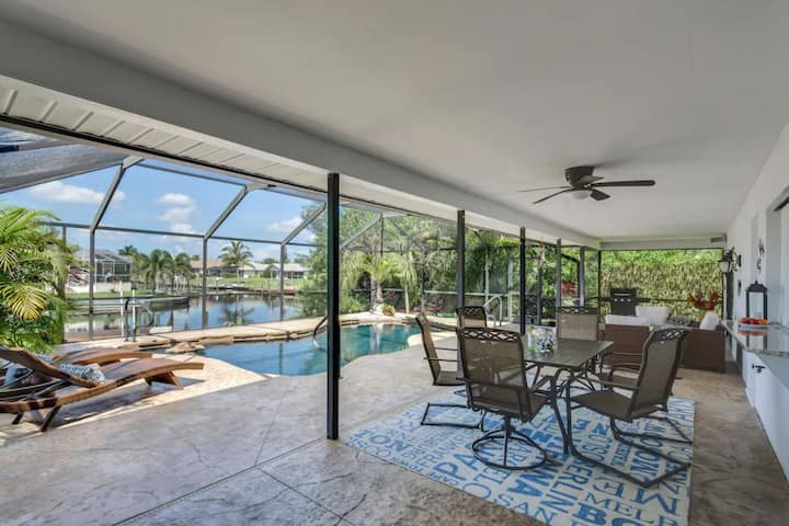 Waterfront Home, heated Pool & Spa, Gulf access,