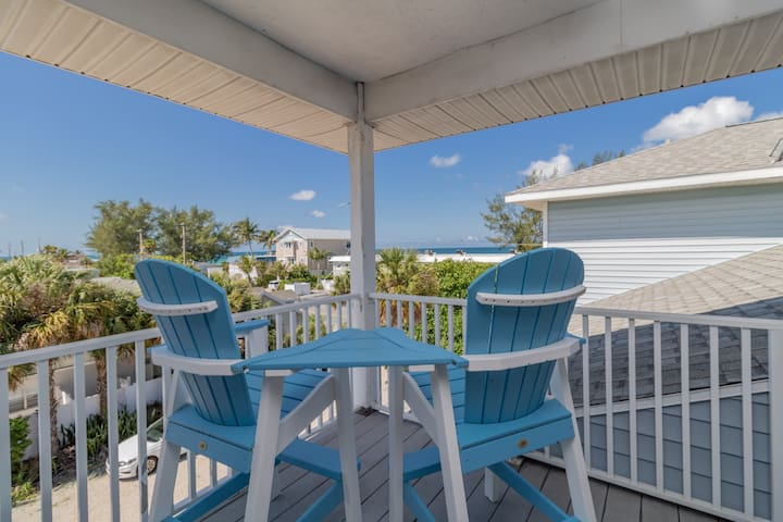 3 Bedroom Home with Gulf Views!