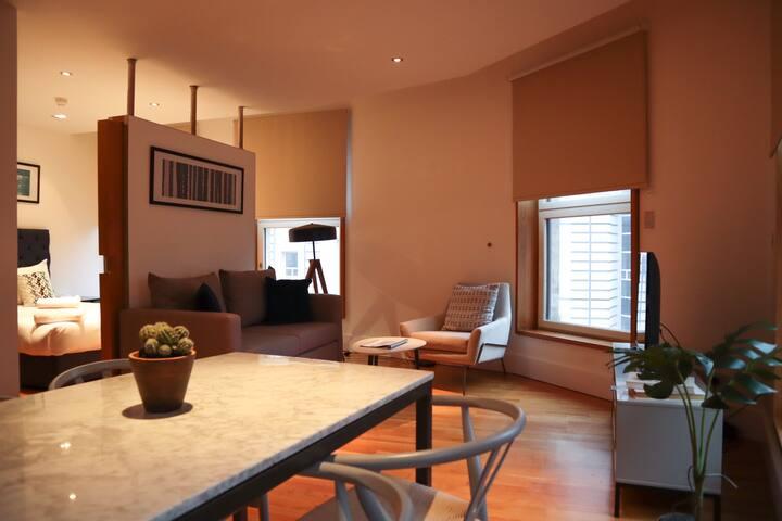 Central West End Studio Apartment (C10)
