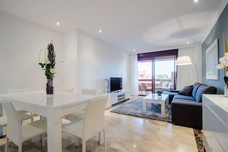 Роскошные апартаменты на берегу моря - Estepona