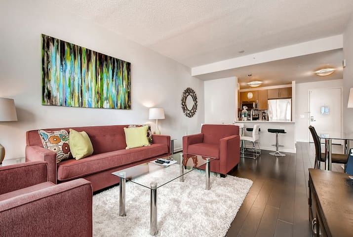 Lovely One Bedroom Apartment by Jersey City PATH
