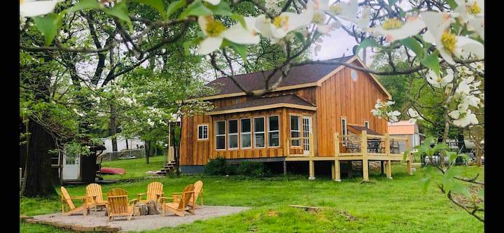 Bluff Cabin (Cabin 2)