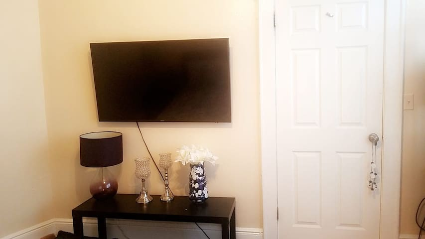 Furnished Room close to New york, TV, WIFI,