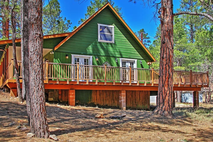 Happy jack cabin w hot tub wraparound porch cabins for Az cabin rentals with hot tub