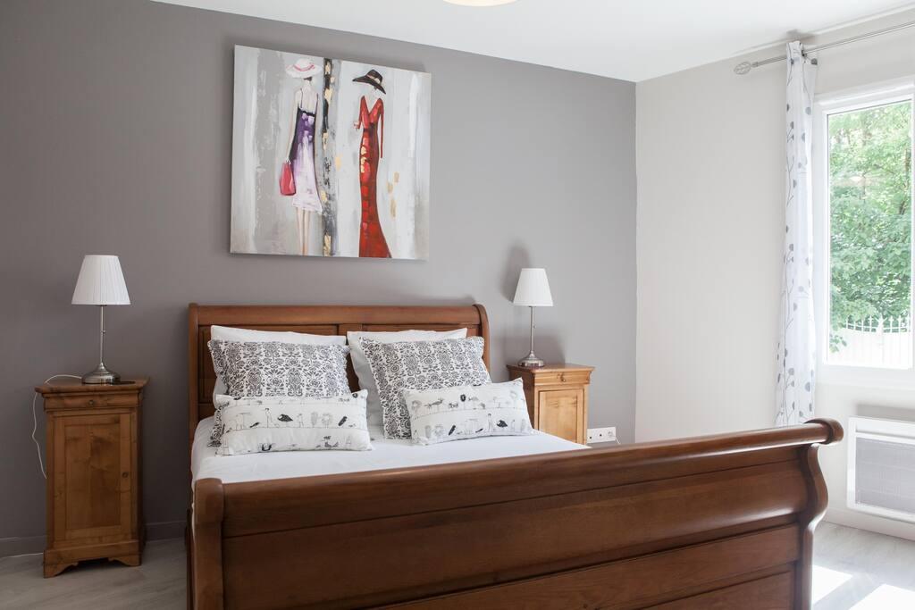 Chambre grise lit 140
