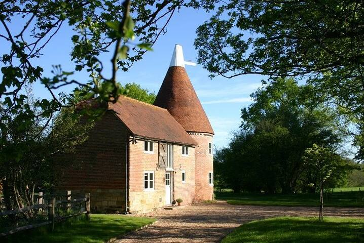 Bakers Farm Oast - Ticehurst - House