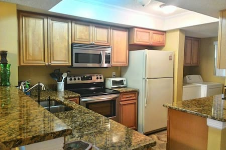 Oceanfront Condo in Cocoa Beach! - Cocoa Beach - Appartement