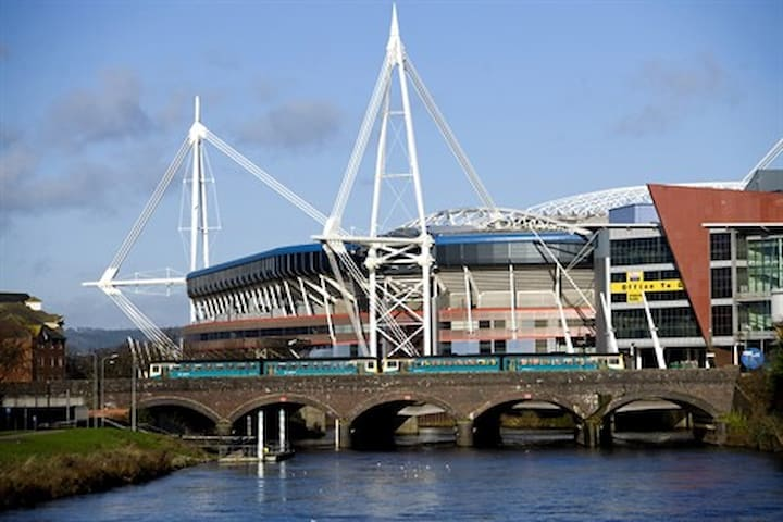 Cardiff home for 6, perfect for summer city break