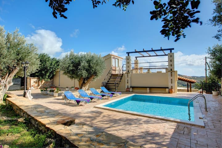 House - 3 km from the beach - Triopetra - House