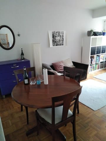 Cosy room in shared flat in *Belgisches Viertel*