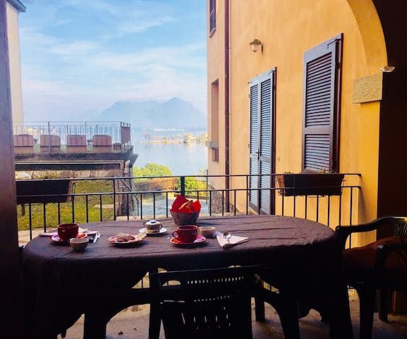 Flora apartment in Baveno with lakeview