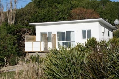 Moeraki Escape - Modern Studio Unit