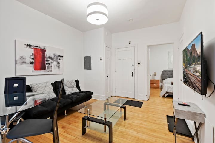 One Bedroom in The Heart of Downtown montreal 25