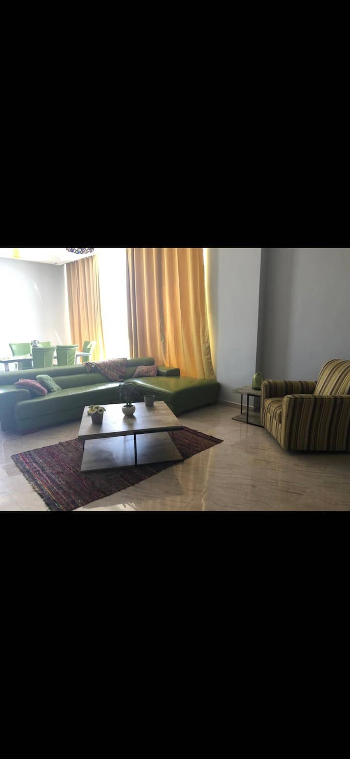 Modern cozy apt with superb Amenities