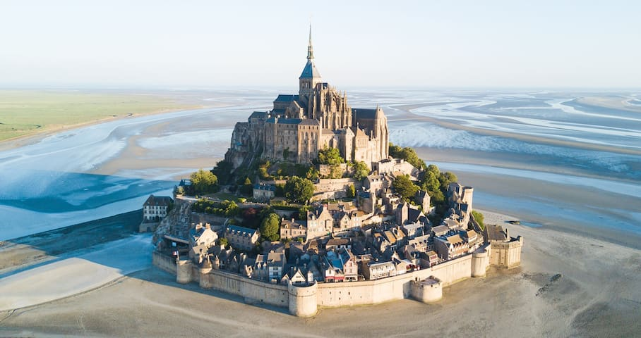 Gîte spacieux l'Albizia vue sur Mont-Saint-Michel