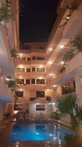 Hotel con excelente ubicación.
