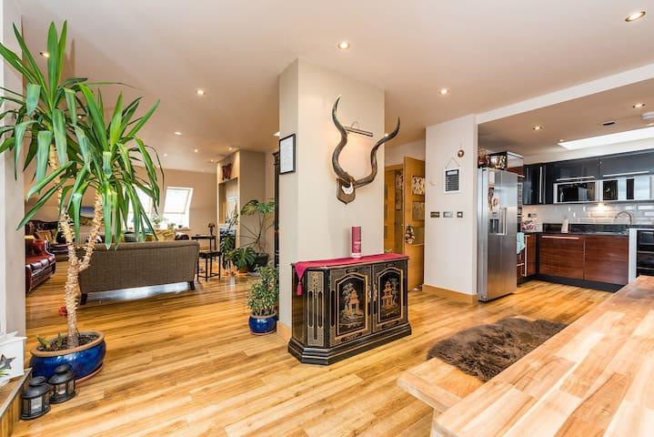Magnificent penthouse, balconies and luxury finish - Edimburgo - Apartamento