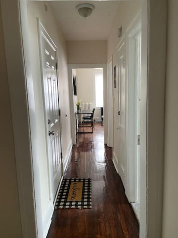 New Renovated 2-Bedroom Apartment w/ Gated Parking