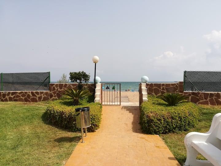 Apartamento en Pl. baja con acceso directo al mar