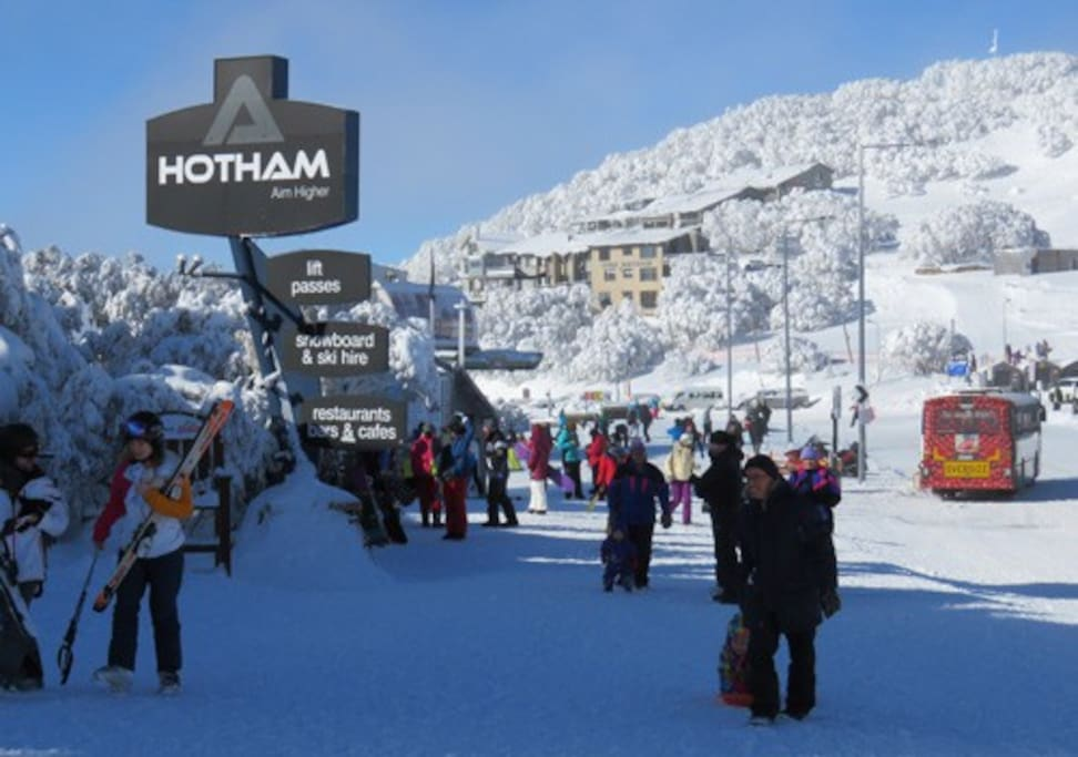 Centrally located only 200m to ski lifts, free village shuttle, shopping, restaurants & hire facilities