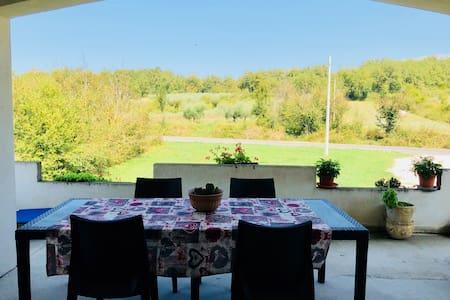 Camera singola in villa vicino lago