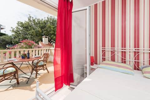 SUPER CUTE Studio app for 2p w/balcony+parking