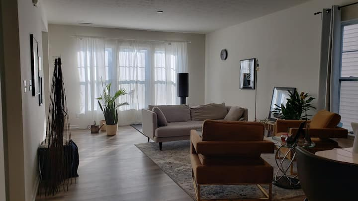 Private Serene Room, 7 min to Downtown