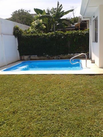 Casa Pura Vida en Playa Herradura, Costa Rica! - Herradura - Rumah