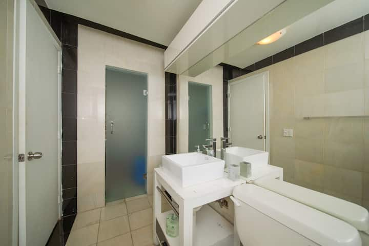 Perfect LOCATION!! Cozy Apartment in Lincoln Road