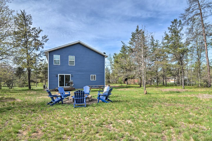 NEW! Up North Getaway w/BBQ, 3Mi to Au Sable River