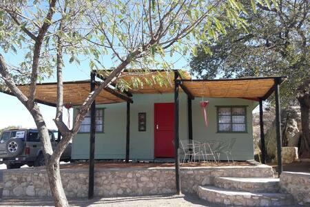BaseCamp Namibia, RedDoorCabin, Outjo