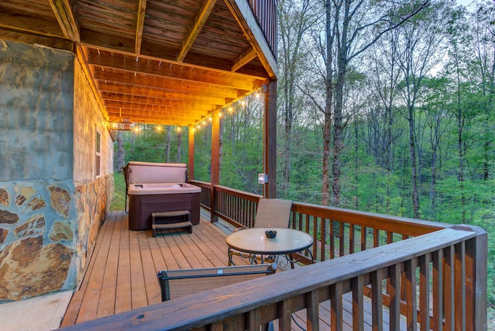 ★Take It Easy★Pet-friendly 3BR Cabin Close to Town