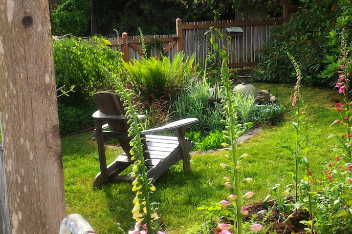 Somerset Tangle Cottage - decompress in the garden