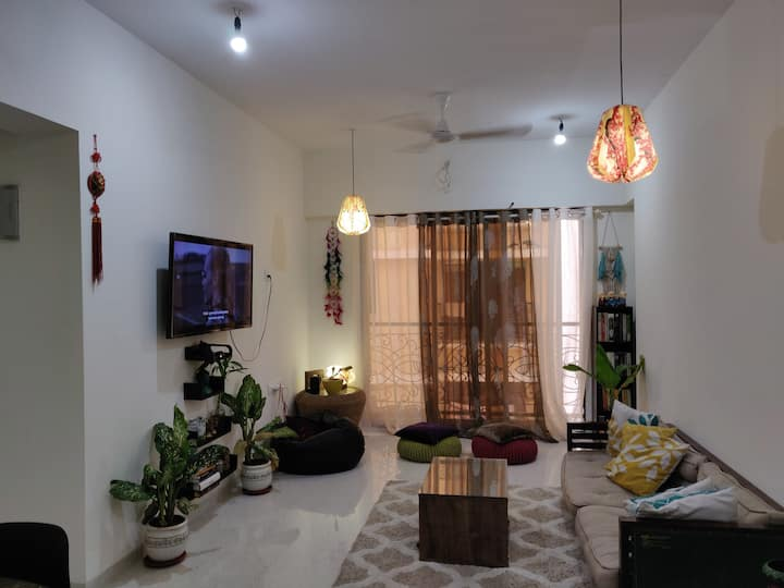 Cozy private bedroom in a 2BHK  in Andheri West