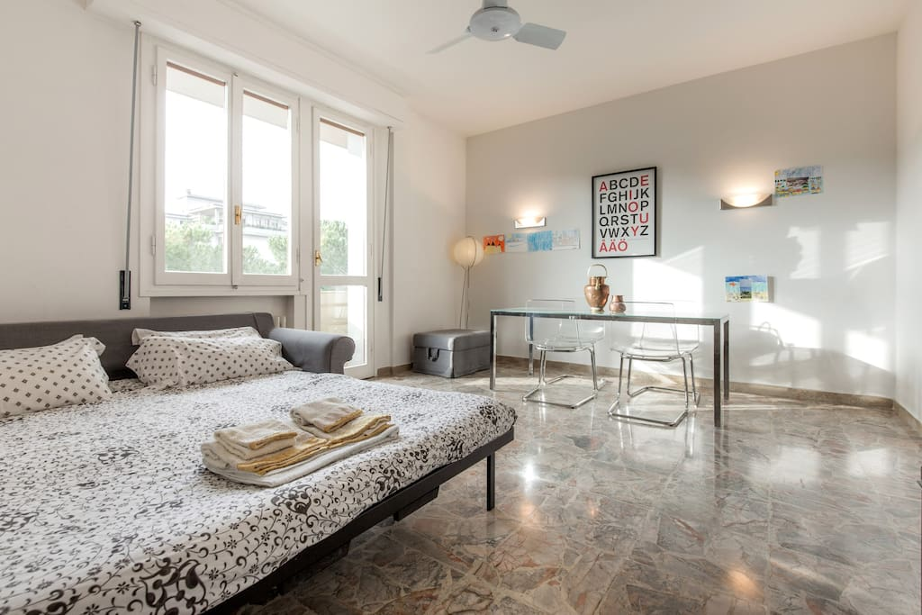 Grande stanza privata big cozy room appartamenti in for Grande disposizione della stanza