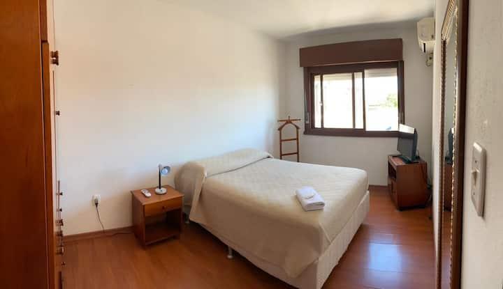 Apartamento individual-Portaria24h-Boa localização