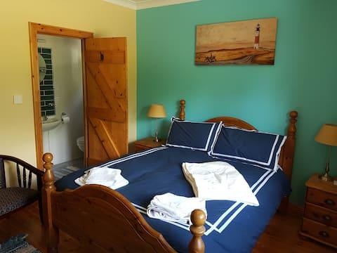 """Pearl Room Coolharbour    52°54'20.7""""N 6°13'49.4""""W"""